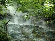 Hot Springs, Arkansas / Photograph by Richard Rasmussen/Getty Images / http://travel.nationalgeographic.com/travel/national-parks/hot-springs-national-park/