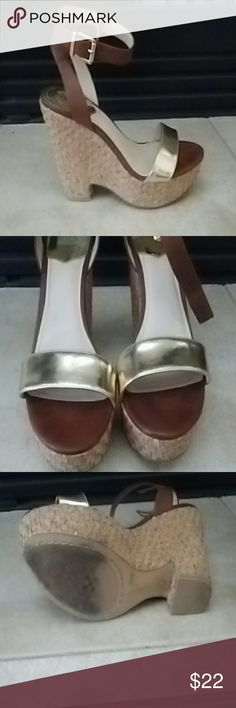 Vince Camuto Cork Wedges Beautiful brown and gold combo. Vince Camuto Shoes Wedges