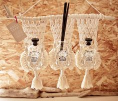 Macrame/macramé 『MACUTAPE!』マクタペ Tapestry hanger タペストリーハンガー Tapestry Hanger, Macrame Design, Macrame Knots, Weaving, Mandala, Handmade, Crafts, Woodworking, Diy Projects