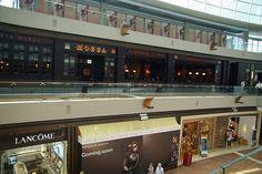 Shopping mall inside the Singapore Marina Bay Sands Hotel - http://singapore-mega.com/shopping-mall-inside-the-singapore-marina-bay-sands-hotel/