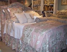 Look how the headboard matches the duvet fabric!  Wow.  Pretty, huh?