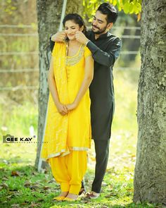 Punjabi Wedding Couple, Indian Wedding Couple Photography, Wedding Couple Photos, Punjabi Couple, Beach Wedding Photos, Couple Photography Poses, Wedding Couples, Cute Couples, Pre Wedding Poses