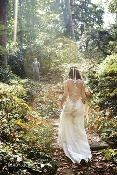 Real bride Rachel in the Claire Pettibone 'Viola' wedding dress http://www.clairepettibone.com/bridal/?cp=gowns/viola | Photo: Readyluck