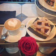 Una Buona Domenica dal #gorillemi  #colazione #colazionetime #colazionimilanesi #posticiniamilano #milanodavedere #gaeaulenti #isola #cappuccino #latteart by cafegorille