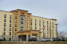 Hampton Inn Neptune Neptune (New Jersey) This Neptune, New Jersey hotel is located half a mile from the Jersey Shore Premium Outlets and 15 minutes' drive from the beach. Facilities include an indoor pool and free Wi-Fi access.