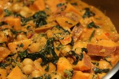Indisk Curry Thai Red Curry, Quinoa, Broccoli, Ethnic Recipes, Food, Vegans, Spinach, Essen, Meals