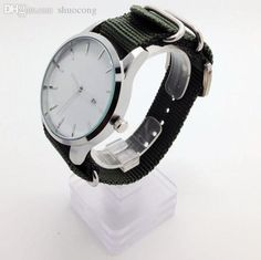 High end gold watches to show your good taste, buy expensive watches for men and watches online for women from shuocong, check out the new years guarantee men zulu watch big dial face 44 mm minimal design watch head! Cheap Watches, Watches For Men, Gold Watches, Quartz Watches, Zulu, Expensive Watches, Minimal Design, Watches Online, Bracelet Watch