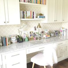Outstanding 55+ Simple And Useful Home Office Cabinet Design Ideas https://decoor.net/55-simple-and-useful-home-office-cabinet-design-ideas-4304/