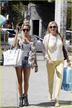 ashley tisdale kitson shopping 03