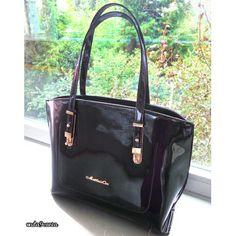 Yepyeni Bir Model Mağazamızda Siyah Rugan❤ #matthewcox marka Uzun askısı mevcut Kol çantası #shoulderbag  4 renk 130tl kargo dahil #bag #new #newseason #handbag #colours #black #rugansiyah #blackbag #bayramlik #eid #onda9canta