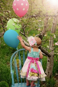 love this photo - 1 year old in cute dress