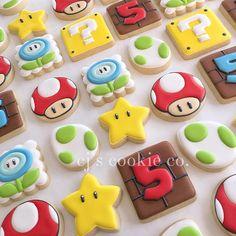 Super Mario for a super birthday. Super Mario Cupcakes, Super Mario Party, Mario Birthday Cake, Super Mario Birthday, Birthday Cookies, 5th Birthday, Birthday Ideas, Bolo Do Mario, Bolo Super Mario