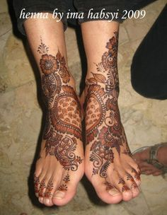 https://www.facebook.com/pages/HENNA-BY-IMA-HABSYI