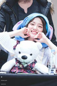 Kim Sejeong❤ (cr.WinterDaisY1204) | Twitter Kim So Eun, Kim Sejeong, Kim Ji Won, Kpop Girl Groups, Kpop Girls, Virgo, Han Seung Yeon, Jang Nara, Park Bo Young
