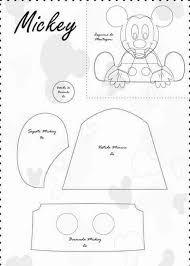 Resultado de imagem para molde mickey mouse feltro Baby Mickey, Mickey E Minie, Fiesta Mickey Mouse, Felt Animal Patterns, Stuffed Animal Patterns, Disney Applique, Disney Babys, Mikey Mouse, Felt Baby