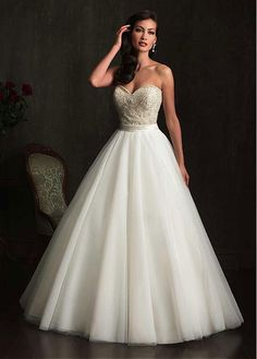 ELEGANT TULLE ORGANZA SATIN SWEETHEART NECKLINE BALL GOWN WEDDING DRESS WITH BEADINGS SEXY LADY LACE FORMAL