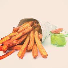 So ein paar frische FranzFrites gehen doch immer ... #food #foodporn #pommes #franzfrites #opafranz #leiststyle #avocadocreme #eatsimple #dasschmeckt #gutenappetit #frites #kartoffel #potatoe #rhoener_botschaft #rhönerbotschaft #hilders #osthessen #hessen #gutessen #dasox #gaststubesonne