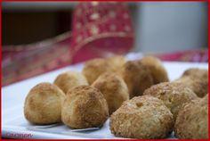 Los cordiales de coco y almendras son unos dulces navideños típicos de Murcia.