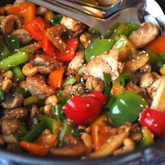 Spicy kyllingwok - Sukkerfri Hverdag Food N, Good Food, Food And Drink, Asian Recipes, Healthy Recipes, Ethnic Recipes, Healthy Food, Dinner Is Served, Food Inspiration