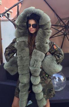 Fur lined army parka Winter Wear, Autumn Winter Fashion, Blazers, Army Camouflage, Denim Coat, Parka Coat, Fur Fashion, Fur Collars, Fox Fur