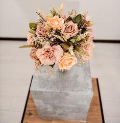 Vase, Table Decorations, Furniture, Home Decor, Decoration Home, Room Decor, Home Furnishings, Vases, Home Interior Design