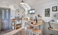 View a gallery of Shepherds Huts at The Shepherds Hut Retreat in Somerset. Each one is hand-built here by us.