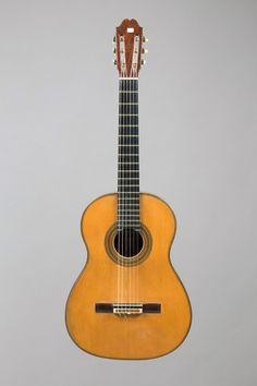 Robert Bouchet (1898-1986), Guitare classique, étiquette originale, 1950, diapason 650 mm, espacement au sillet de tête 52 MM. Frais compris : 66 960 €. Vichy, samedi 23 mai. Vichy Enchères SVV. M. Casanova.