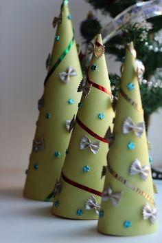 Елочки из бумаги. Новогодние идеи (часть №7)/Christmas trees made of paper