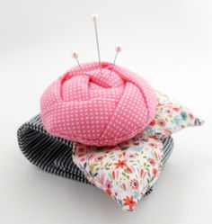 Imagem de Rose Pincushion Cuff costura PDF Pattern