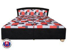 Luxusná manželská posteľ s voľne vloženými matracmi na výklopnom a polohovacom rošte. Otváranie postele je od nôh, veľký úložný priestor z bielej drevotrieskovej dosky je vo vnútri rozdelený na dve časti. Pre komfort ležania si môžete nastaviť plochu pod hlavou až do 5 polôh. Elegantná posteľ je postavená na guľatých drevených nohách s priemerom 9 cm. Výška postele závisí od typu matraca. Dodávaná so 7-zónovými matracmi (luxusná verzia), výška postele je potom 49 cm od podlahy.
