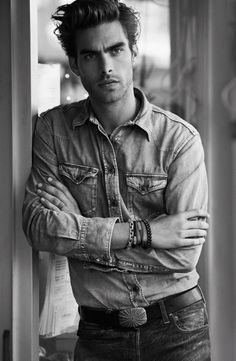 Jon Kortajarena by Peter Lindbergh. Another gorgeous pic of Jon! He never disappoints! Jon Kortajarena, Male Models Poses, Male Poses, Boys Leather Jacket, Leather Men, Jean Paul Gaultier, Giorgio Armani, Karl Lagerfeld, Most Beautiful Eyes