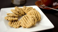 Coconut Cream Shortbread via cucina Libera Gluten Free Sweets, Sugar Free Desserts, Gluten Free Cookies, Gluten Free Baking, Healthy Dessert Recipes, Real Food Recipes, Healthy Deserts, Keto Desserts, Cookie Recipes