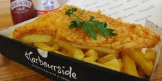 """Si vienes a Londres, no te puedes ir sin haber probado """"fish and chips""""."""