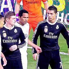 "Toni ""Perfect"" Kroos [Semi-Hiatus] Real Madrid Club, Real Madrid Players, Cristiano Ronaldo Haircut, Dfb Team, Toni Kroos, Football, Baseball Cards, Moment, Boys"