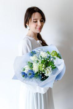 Букет в нежных небесных оттенках с доставкой в Твери Mint Flowers