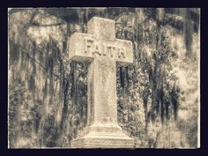 Southern Graves: Faith in the Cross (Wordless Wednesday)
