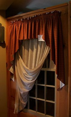 love this idea for window treatments, Circa 1892 Homestead Primitives by carolmay Primitive Windows, Primitive Curtains, Primitive Bedroom, Primitive Homes, Primitive Kitchen, Country Curtains, Diy Curtains, Farmhouse Curtains, Curtains Living