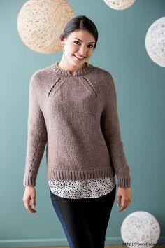 Вязание пуловера Shifted Eyelet Yoke с интересной линией реглана. Обсуждение на LiveInternet - Российский Сервис Онлайн-Дневников