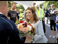 Princess Marie opened the Roller Skiing championship Princess Marie opened the Roller Skiing championship Danish Princess Marie who is the patron of Danish Ski Federation gave the start signal of this year's Danish Roller Skiing contest. The contest was held on September 18 2016 on Holte-Horslom (Danish Holte Horsholm Kongevej) King road. 200 athletes participated in the contest. ----------------------- subscribe for more videos : https://www.youtube.com/channel/UCRI8hHuxo-hCNAHRpVlkuzg…