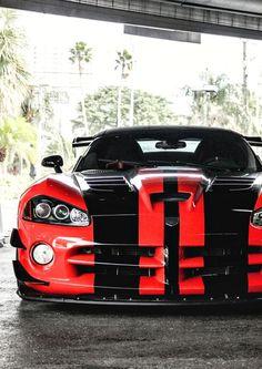 Mean Dodge Viper - watch out it cars sport cars vs lamborghini sports cars cars Maserati, Bugatti, Viper Car, Dodge Viper, Viper Truck, Us Cars, Sport Cars, Mopar, Counting Cars