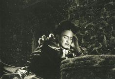 Frida Kahlo (1907-1954) : Foto