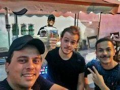 Pedro e Matheus BELLAMORE comendo nossos Churros - https://www.facebook.com/DolceChurrosGourmet/