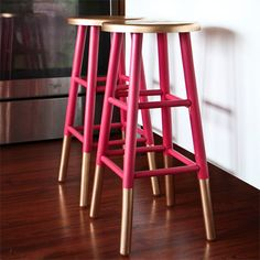Grab a can of Rust-Oleum Universal in pure gold at your local Builders Warehouse and add a dash of glitz to boring bar stools. This quick an...