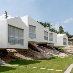 5 Houses / Carlos Alejandro Ciravegna