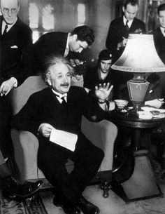 Albert Einstien, Albert Einstein Poster, History Posters, Marilyn Monroe Art, Gary Cooper, Physicist, Best Model, Just Love, Science