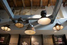 Grote voorraad stoere industriële lampen te vinden op www.brocantiekdelinde.nl!!