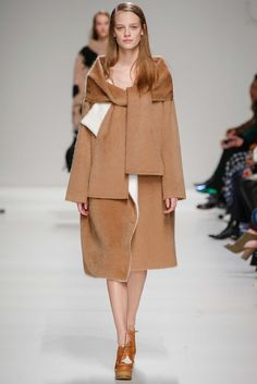 Sportmax Fall 2015 Ready-to-Wear - Collection - Gallery - Style.com