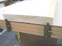 Barrel Bolt Bench Stops / De verrous pistolet à butées d'établi #woodworkingbench