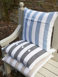 Stripes are so summery and chilled that you'll want these neat nordic blue cushions in every cosy corner of your house. Nautical Cushions, Cute Cushions, Striped Cushions, Scatter Cushions, Throw Pillows, Bench Cushions, Diy Cushion, Cushion Fabric, Cushion Ideas