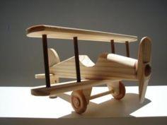 brinquedos de madeira aviao                                                                                                                                                      Mais